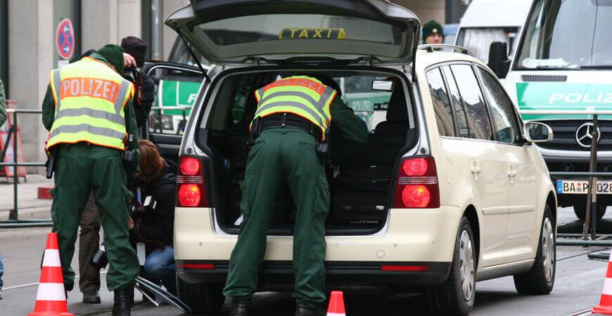 Rasend schnell wartender Taxifahrer aus dem Verkehr gezogen