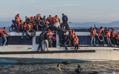 Auf einem Flüchtlingsboot wie diesem wurden Merkel und Erdogan ein letztes Mal gesehen.