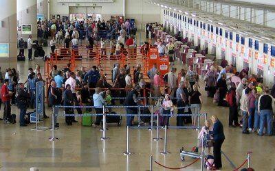Dauern die Pilotenstreiks noch länger, liegen bald die Nerven vieler Fluggäste blank.
