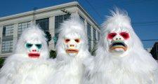 Yetis protestieren weltweit gegen Falschmeldung, dass es sie nicht gibt